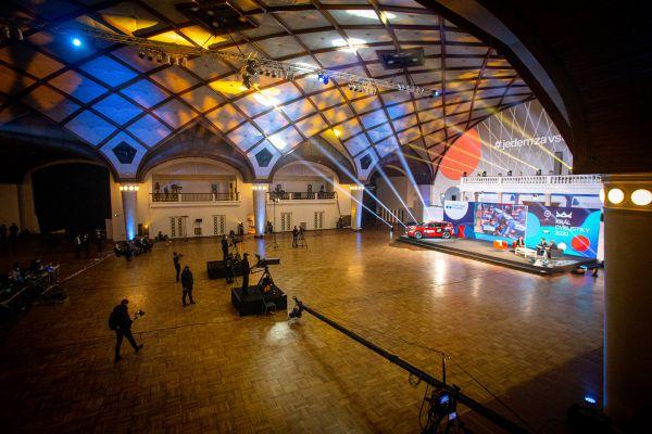 Král cyklistiky 2020 - bez diváků, jen kamery a pár účastníků