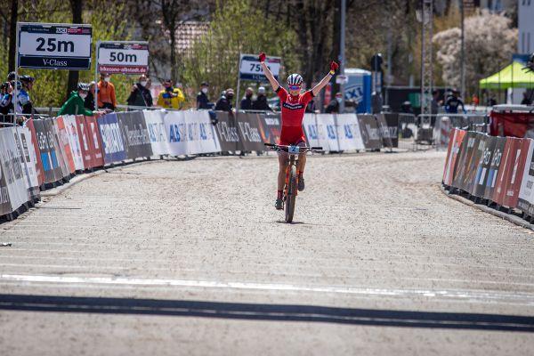 Albstadt '21 - juniors - ale vítězkou se stala Line Burquier z Francie