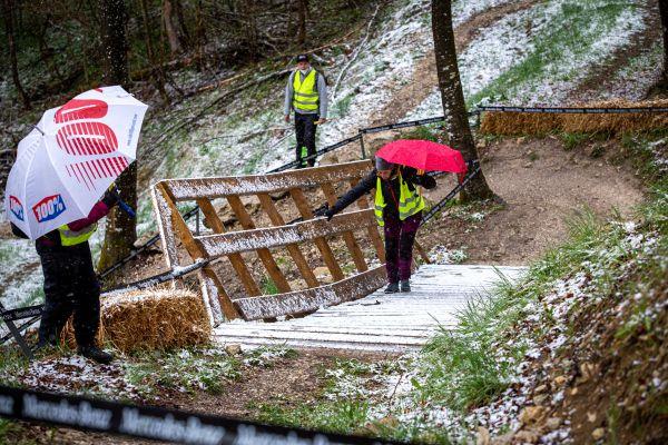 Albstadt '21 - trénink #2 - maršálové měli těžkou cestu do práce