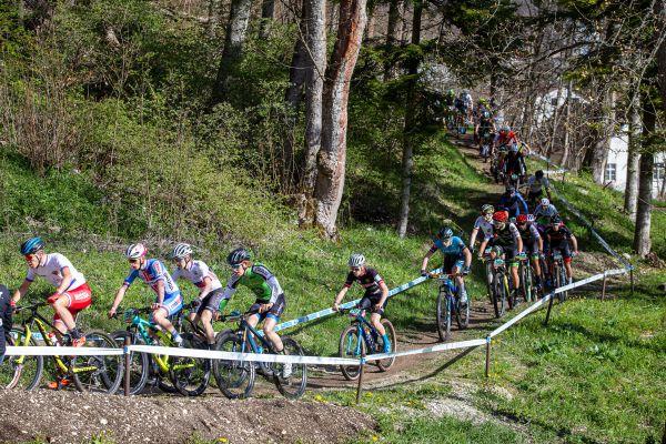 Albstadt '21 - juniors - úzký start je v Albstadtu past