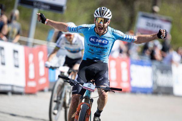 Victor Koretzky vyhrává svůj premiérový závod SP