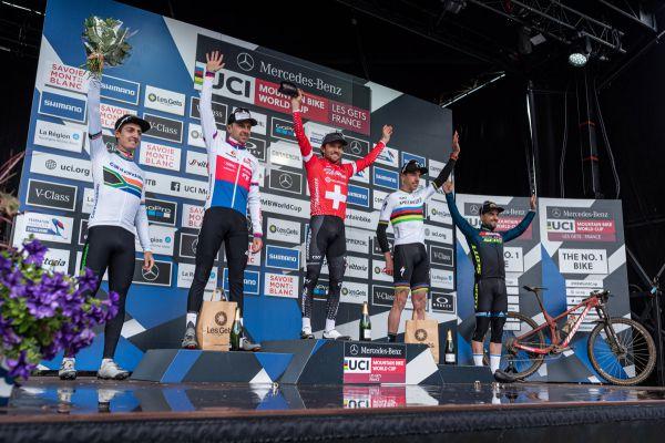 SP Les Gets 2021 - elitní podium mužů
