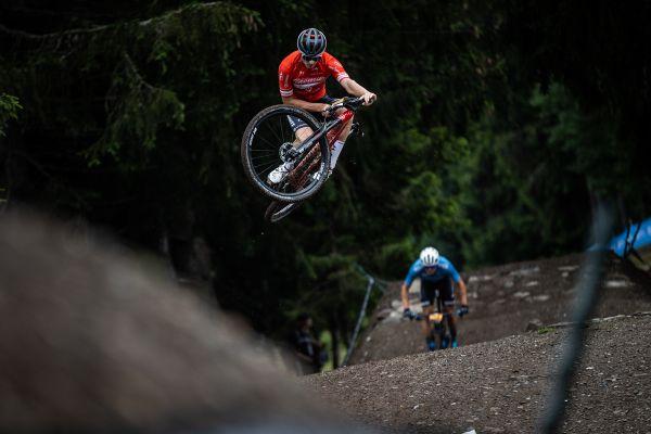 SP Les Gets 2021 - Mathias se ještě před závodem rozeskákal