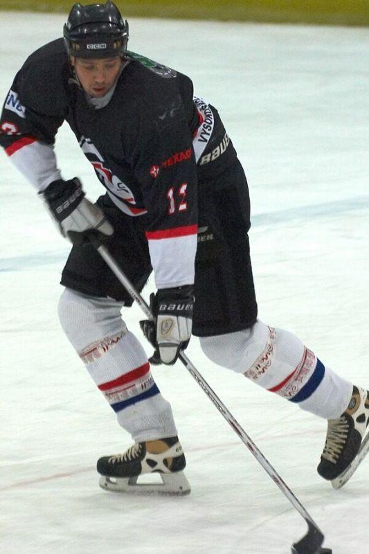 Dukla Praha byla nezvykle urostl� - Cyklistick� superpoh�r 2006 v hokeji, Mor. T�ebov�
