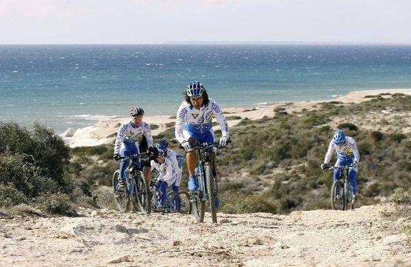 Kypr 4.-5.11.2006 - výlet s přáteli  Bikin' Cyprus