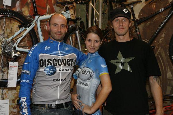 Sportlife 2006 - bodypainting ve stánku Trek