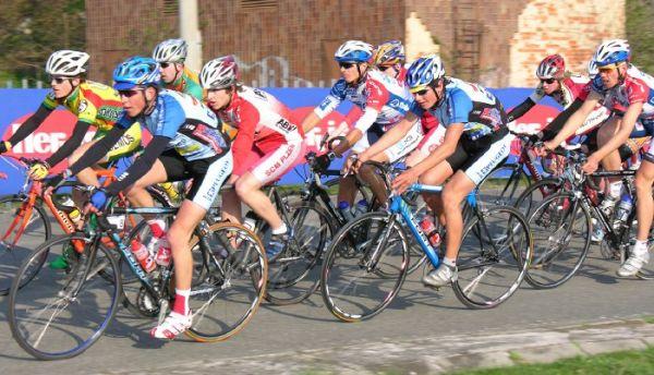 Giant Liga - Plzeň Lopatárna, 11.4.2007, foto: www.bikerace.cz