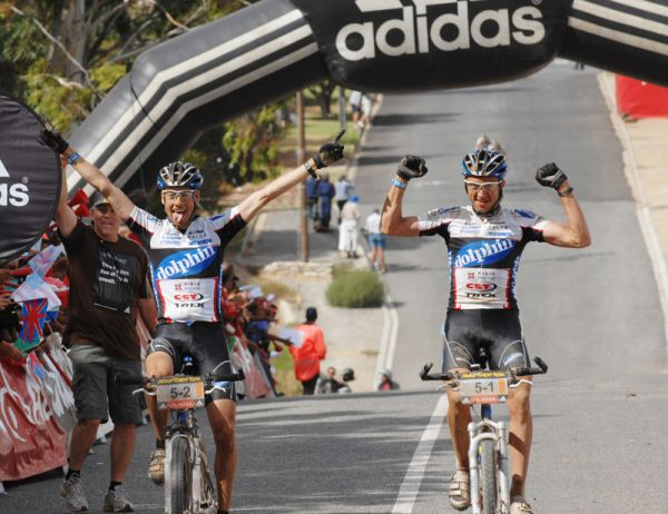 Cape Epic 2007 - 5. etapa, vítězové Brentjens a Van Houts, foto: Frank Bodenmüller/MTBSector.com