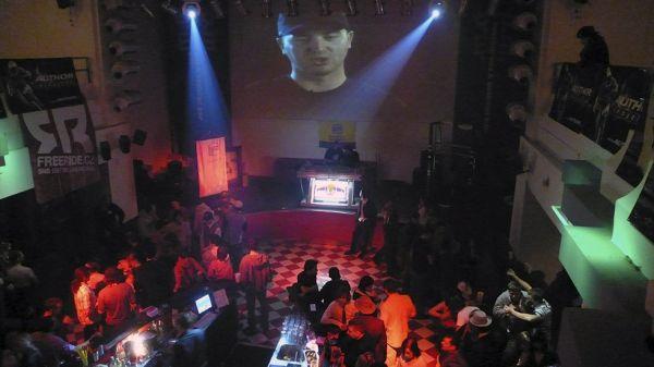 fotky z tiskovky a Holeshot Party 2007