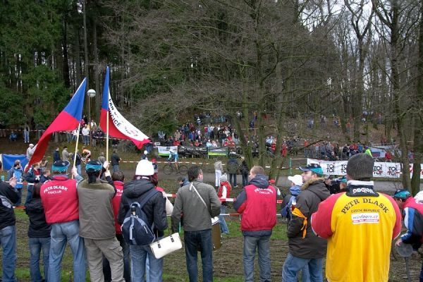 Mistrovství České republiky v cyklokrosu - 6.1. 2007 - Č. Lípa - Fun club Petra Dlaska