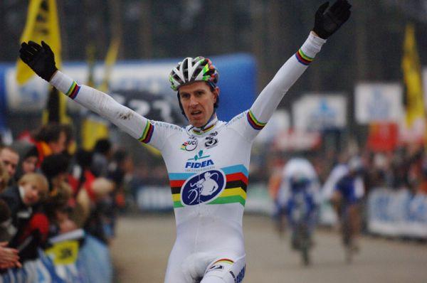 SP cyklokros Hofstade (BEL), 26.12.2006, Erwin Verwecken, foto: Frank Bodenmüller/www.mtbsector.com