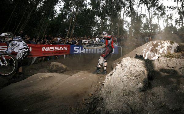 SP 4X No.1 Vigo 2007 - Atherton a Měchura po střetu v první jízdě