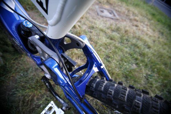 DH bike Michala Maro�iho na rok 2007