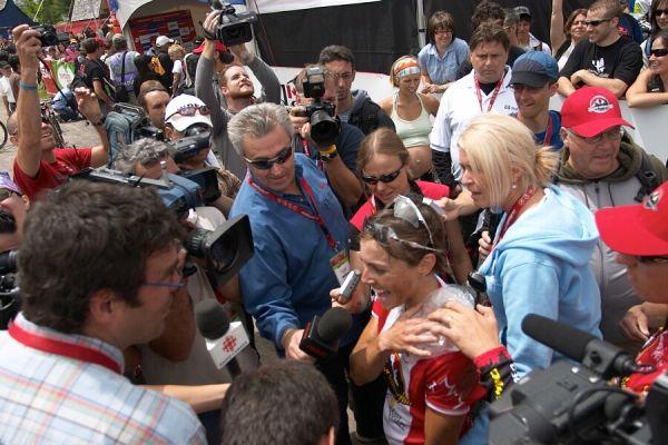 Nissan UCI MTB World Cup - Mont St. Anne, 23.6.'07 - domácí miláček v zajetí novinářů