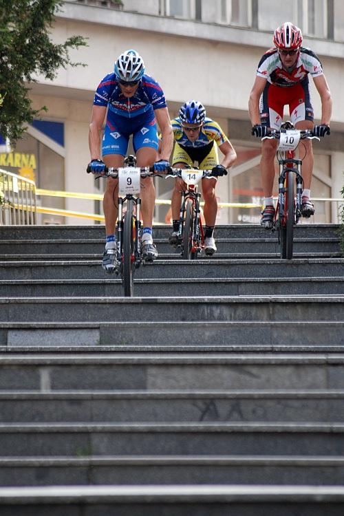 Author Korida 07 - prvn� trojce na schodech