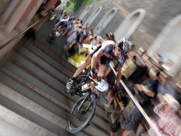 Pražské schody 2007 - Florian Vogel stále v čele