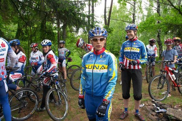 Tým Luna Women's na tréninku s mládeží ve Vimperku, 30.5. 2007