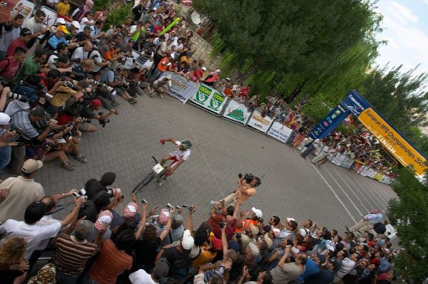 ME Cappadocia 2007 - závod mužů 15.7. - Jose Antonio Hermida v cíli