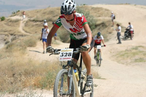 ME XC Cappadocia - Turecko 2007 - juniorka Barbara Benko (HUN) 2. místo