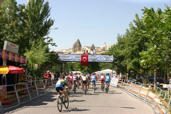 ME XC Cappadocia - Turecko 2007 - start juniorek