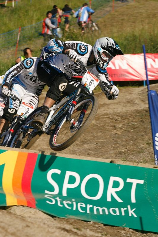 Nissan UCI 4X Cup #4 Schladming 2007 - Dan and Gee