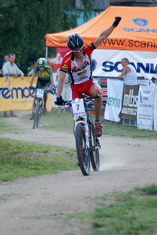 ČP XC no.5 2007 - Jablonec - Matouš Ulman se raduje z 5. místa