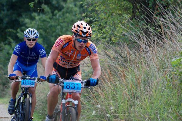 ČP XCM no 5 2007 - vedoucí duo na krátké trati: Tomáš Pešek (831) a Jiří Svěrák